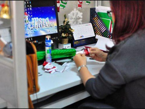 Trang trí noel bàn làm việc, mẫu trang trí giáng sinh cho bàn làm việc
