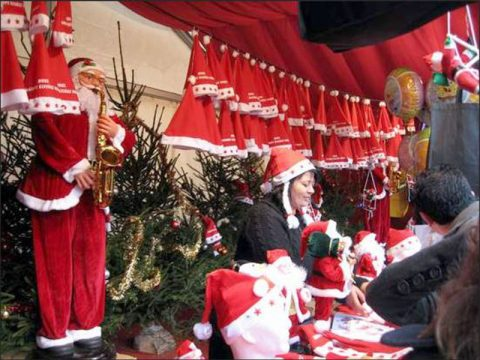 Mũ ông già Noel bằng len giá rẻ