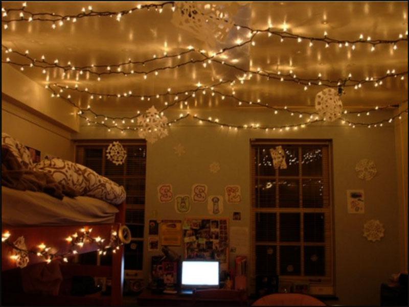 Trang trí đèn noel phòng ngủ