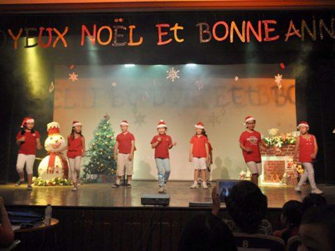 Trang trí sân khấu giáng sinh